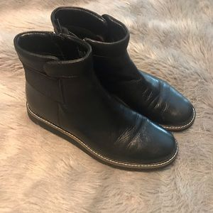 Clark's leather side zip booties EUC